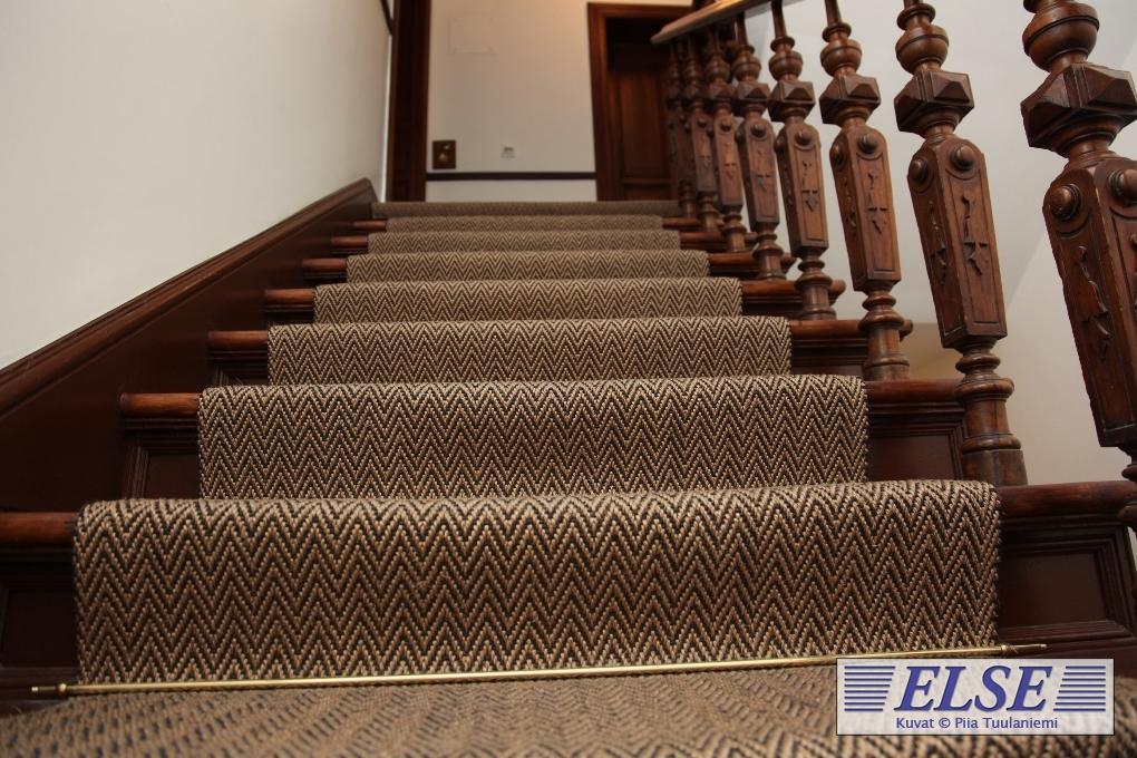 Maton kiinnitys portaisiin
